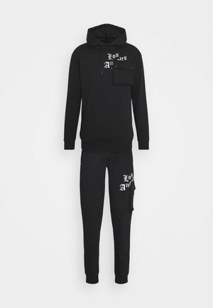 COMBAT TRACKSUIT - Trainingsanzug - black