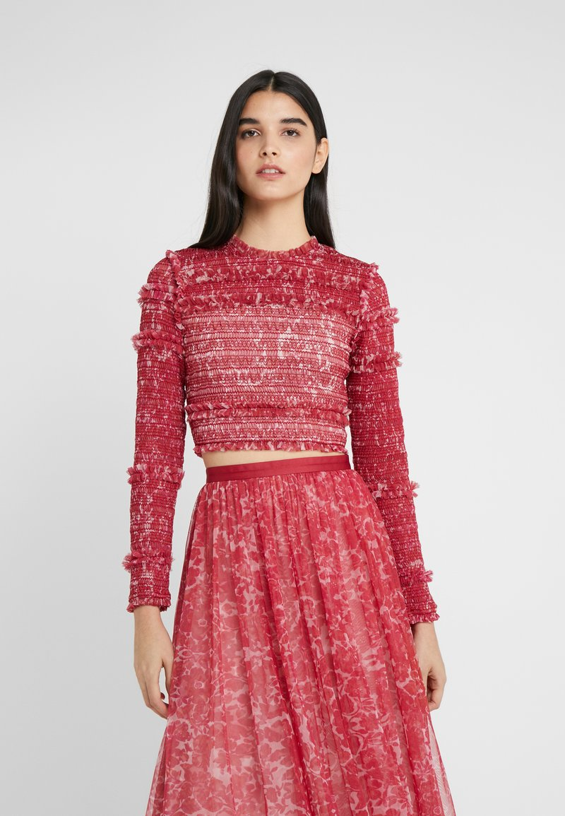 Needle & Thread - FLORAL SMOCKED LONG SLEEVE CROP - Camicetta - cherry red