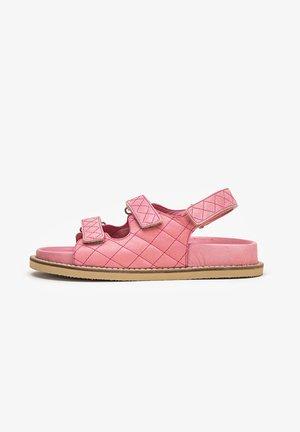 Trekkingsandaler - pink