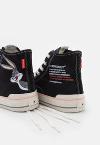 MOA - Master of Arts - EXCLUSIVE COLLECTOR LOONEY - Sneakers alte - black - 6