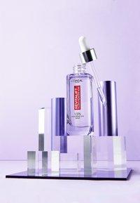 L'Oréal Paris - REVITALIFT FILLER ANTI-AGE SERUM - Serum - - - 3