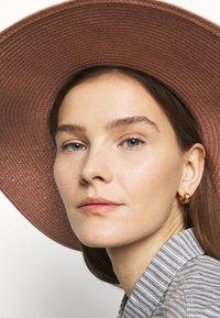 Barbour - WELLWOOD TARTAN SUN HAT - Hat - rose tan - 1