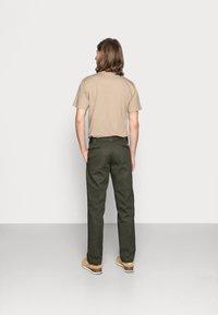 Dickies - SLIM STRAIGHT WORK PANT - Chino - olive green - 2