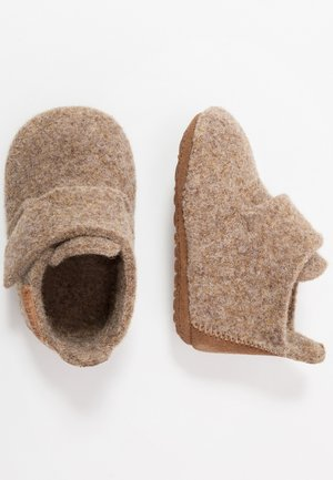 BABY HOME SHOE - Chaussons - camel