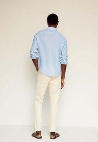 Mango - SLIM FIT - Camicia - himmelblau - 2