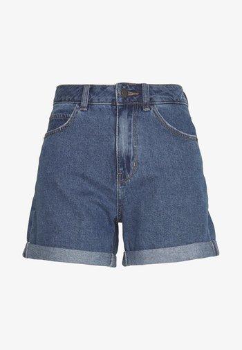 VMNINETEEN MIX - Shorts vaqueros - medium blue denim
