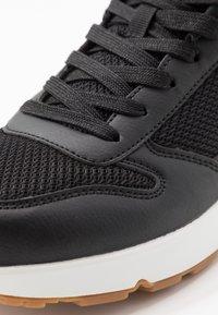 Skechers Sport - UNO FASTIME - Baskets basses - black/red - 5
