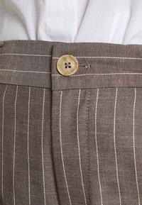 Mos Mosh - SALLY PANT - Kalhoty - sassafras - 5
