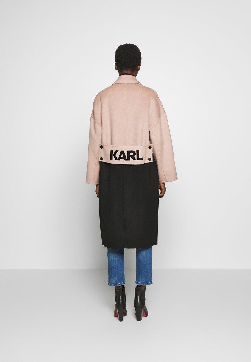 KARL LAGERFELD - COLOURBLOCK COAT BRANDING - Abrigo clásico - camel/black