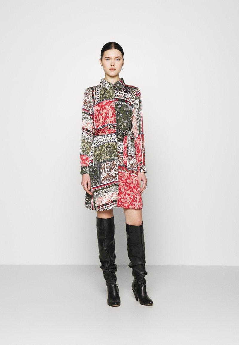 Vila - VIJOSE BLUME DRESS - Shirt dress - pine grove