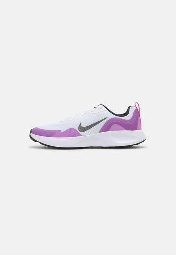 WEARALLDAY  - Sneakersy niskie - white/dark smoke grey/fuchsia glow/hyper pink