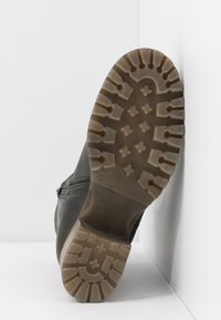 Bullboxer - Classic ankle boots - khaki - 6