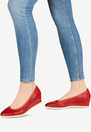COURT SHOE - Wedges - chili