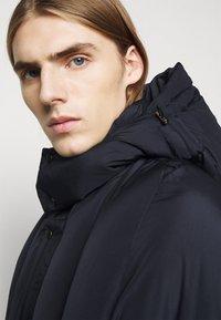 Henrik Vibskov - TILES LONG COAT - Winter jacket - navy - 6