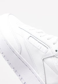 Reebok Classic - CLUB C DOUBLE - Sneakersy niskie - white/cloud grey - 2