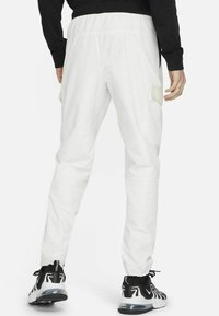 Nike Sportswear - Träningsbyxor - summit white/light bone/black/black - 2
