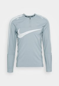 Nike Performance - WILD RUN - Tekninen urheilupaita - football grey/reflective silver - 3