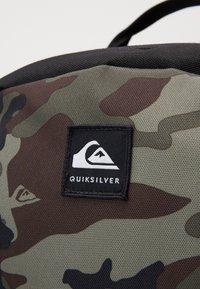 Quiksilver - SCHOOLIE - Tagesrucksack - green/black - 3