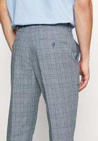 Jack & Jones PREMIUM - JPRRAY CHECK TROUSER - Trousers - grey melange - 4