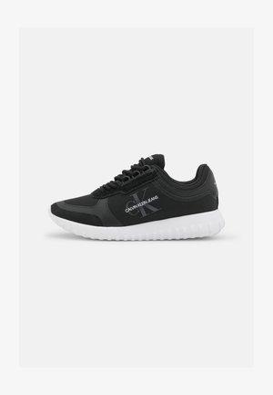 RUNNER LACEUP  - Zapatillas - black