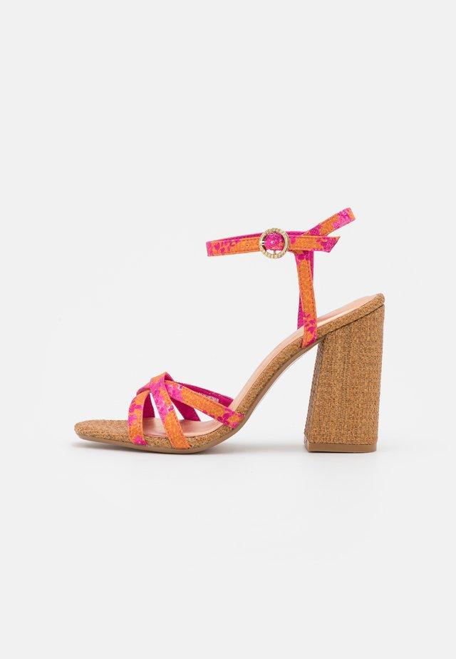 KASIRAS - Sandales - pink