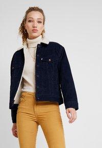 Levi's® - SHERPA TRUCKER - Lett jakke - vintage navy blazer - 3
