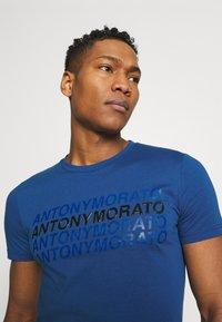 Antony Morato - SLIM FIT WITH LOGO - Camiseta estampada - cobalto scuro - 3