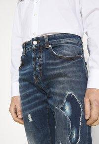 John Richmond - IDYLL - Straight leg jeans - denim blue medium - 3