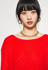 Missguided Petite - OPHELITA OFF SHOULDER - Jumper - red - 3