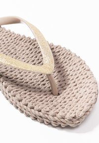 Ilse Jacobsen - CHEERFUL - Pool shoes - atmosphere - 2