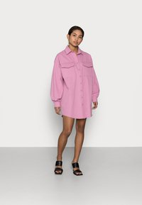 Missguided Petite - QUILTED POCKET DRESS - Blousejurk - dusty pink - 1