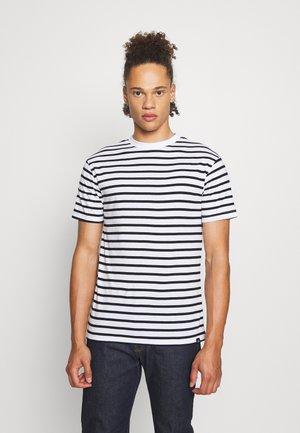 PORTER TEE - T-shirt med print - white