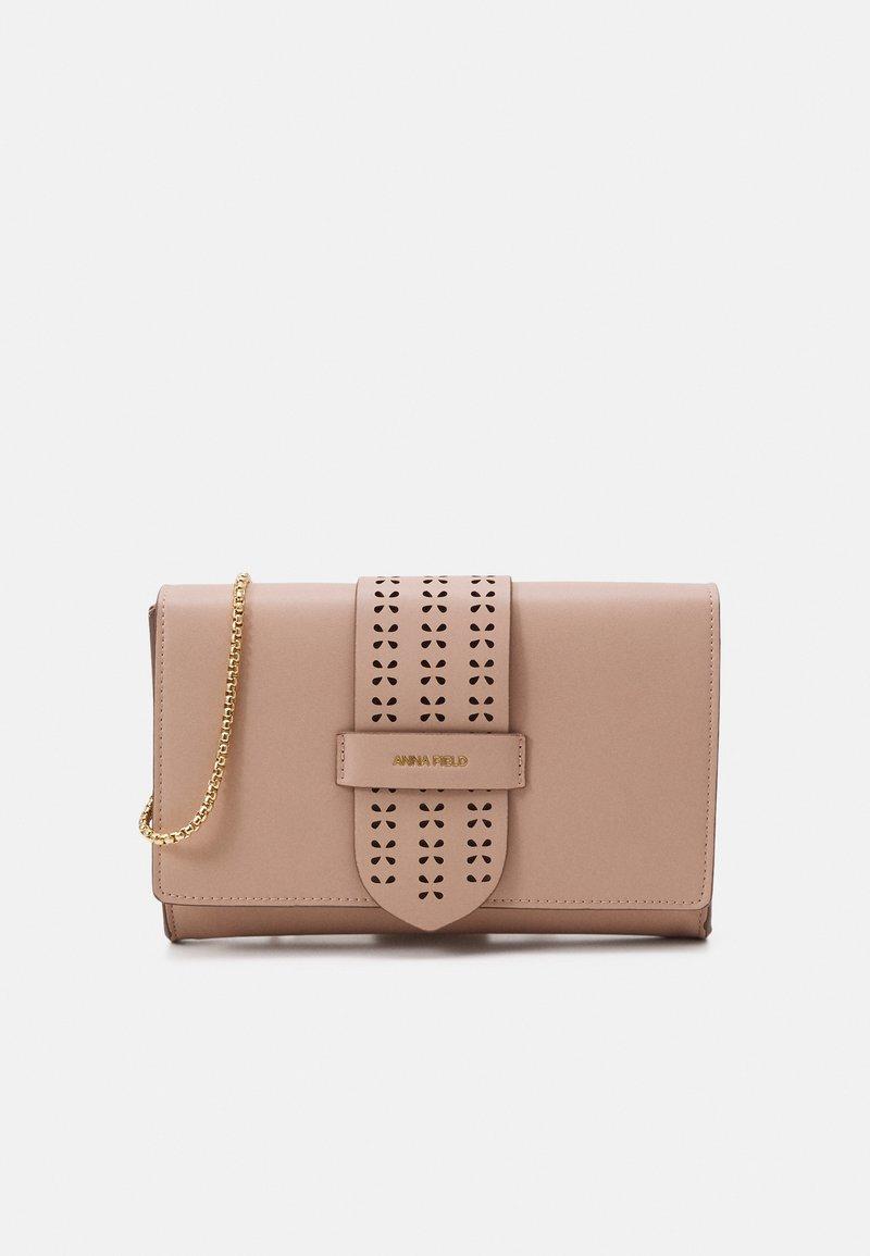 Anna Field - Pikkulaukku - pink