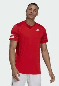 adidas Performance - 3-STREIFEN - T-shirt imprimé - red - 0