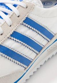 adidas Originals - Trainers - footwear white/blue/grey one - 5