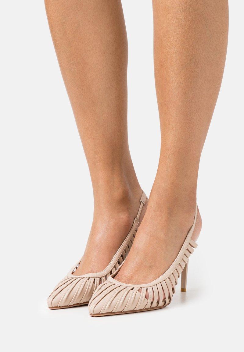 Laura Biagiotti - Classic heels - beige