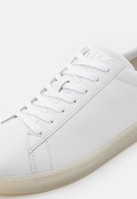Armani Exchange - CLEAN CUPSOLE - Trainers - white - 5