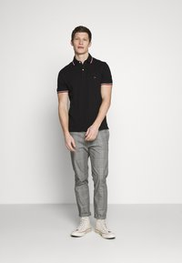 Tommy Hilfiger - TIPPED SLIM FIT - Polo - black - 1