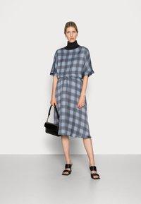 Mos Mosh - BELINI VICE SKIRT - A-line skirt - ombre blue - 1