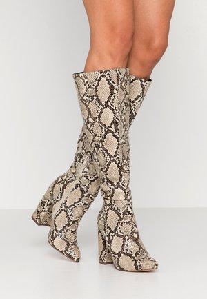 High heeled boots - brown/beige