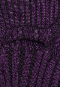 The Ragged Priest - STRIPE PEEKABOO TOP - Strikkegenser - purple - 2