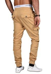 Alessandro Salvarini - DESIGNER - Cargo trousers - beige - 3