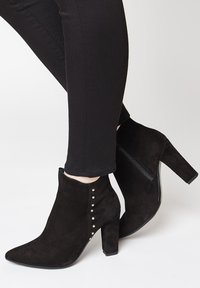 faina - Classic ankle boots - schwarz - 0