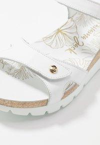 Panama Jack - SULIA COLORS - Sandály na klínu - weiß - 2
