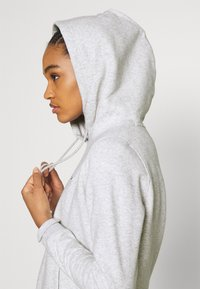 Tommy Jeans - REGULAR HOODIE - Sweat à capuche - silver grey heather - 3