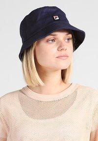 Fila - BUCKET HAT - Hat - black iris - 5