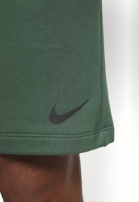 Nike Performance - DRY SHORT - Sports shorts - galactic jade - 6