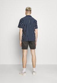 Jack & Jones PREMIUM - JPRBLASTRIPE RESORT SHIRT - Shirt - navy blazer - 2