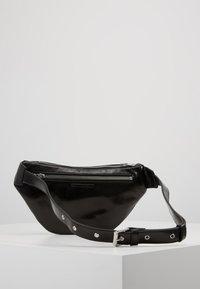 McQ Alexander McQueen - WAIST PACK - Ledvinka - black - 3