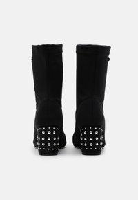 Les Tropéziennes par M Belarbi - CEYLAN - Classic ankle boots - noir - 3